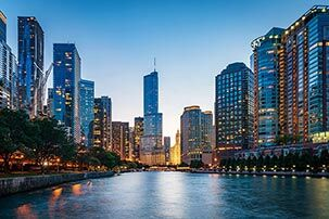 Chicago riverway with buildings in the background
