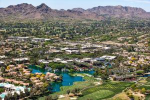 Scottsdale AZ view of golf courses, resorts and luxury homes